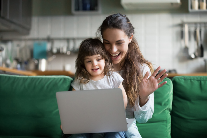 making a screen time contract for the whole family