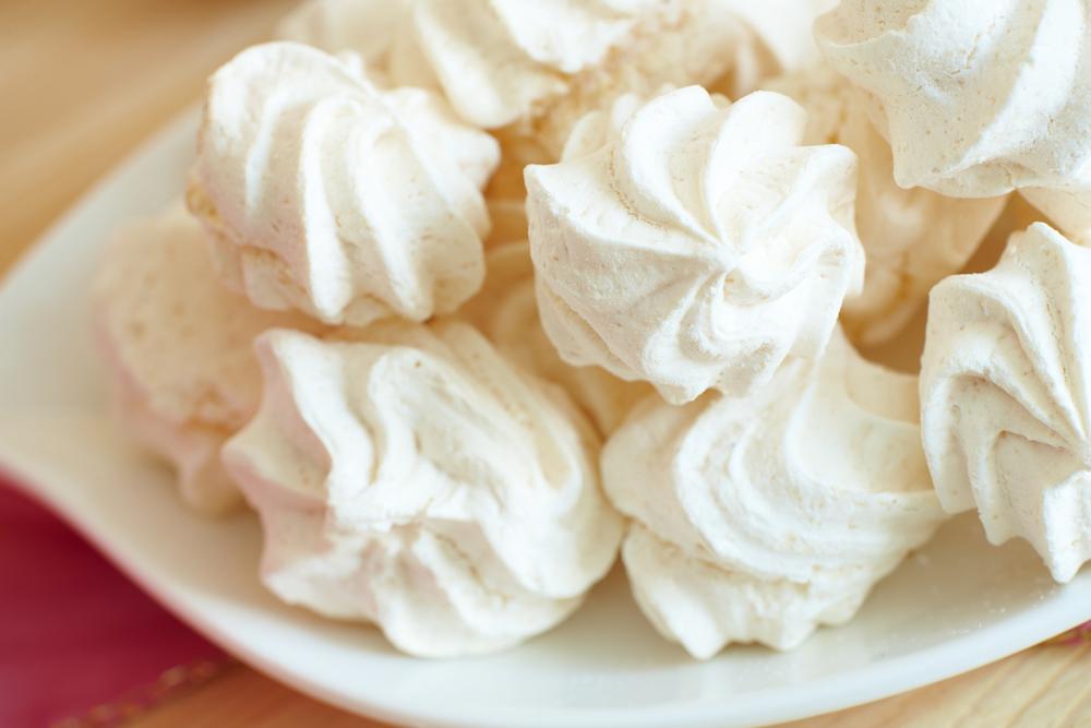 classic meringue recipe desserts reader 39 s digest. Black Bedroom Furniture Sets. Home Design Ideas