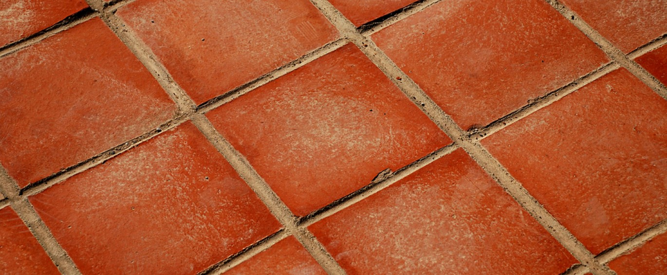 How to lay quarry and terracotta tiles - Reader\'s Digest