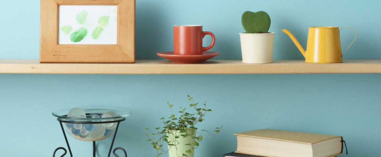 How to put up shelves - Reader\'s Digest