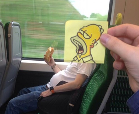 This artist turns commuters into hilarious cartoons