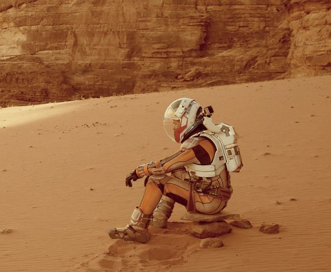 Review: The Martian – Cast away on another planet