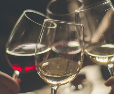 The helpful and harmful effects of wine on the body