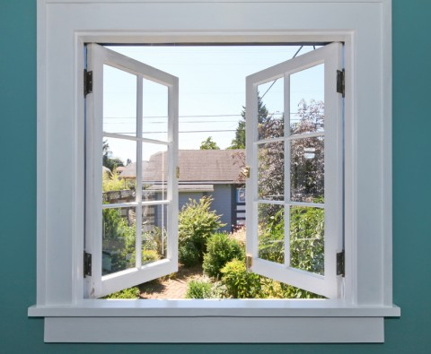 How to fix and fit window frames