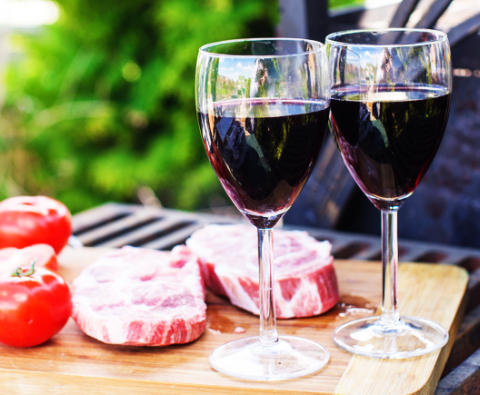 How to Select the Perfect Red Wine for a Barbecue