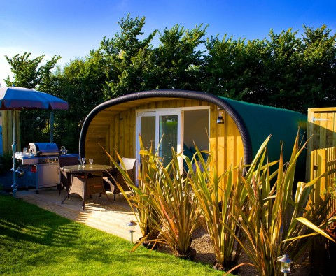 10 reasons why glamping pods win out of season