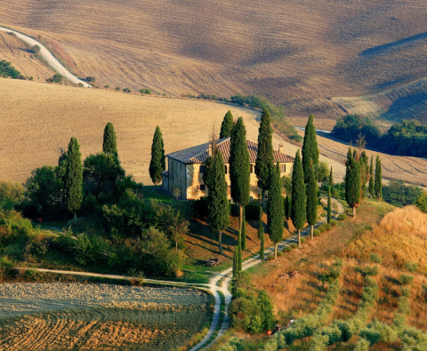 Why is Tuscany so popular among tourists?