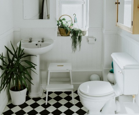 How to renovate your bathroom cheaply