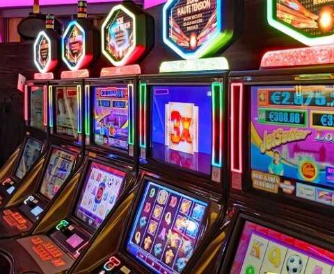 A Comprehensive History of Slot Machines in the United States