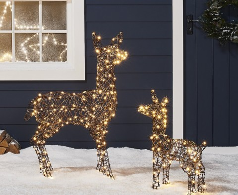 The ultimate outdoor Christmas decoration guide
