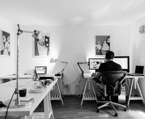 The benefits of using a professional website designer for your startup