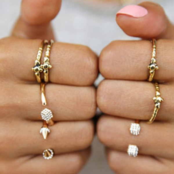 Story Why Are Wedding Rings Worn On Left Hand: Why Do We Attach Meaning To Rings And Fingers?