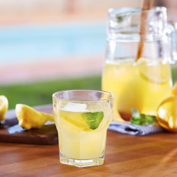 Zesty Homemade Lemonade Recipe