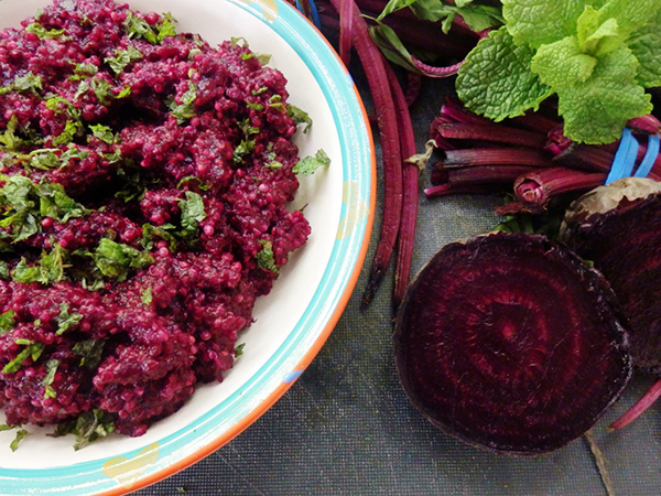 Beetroot and Red onion quinoa