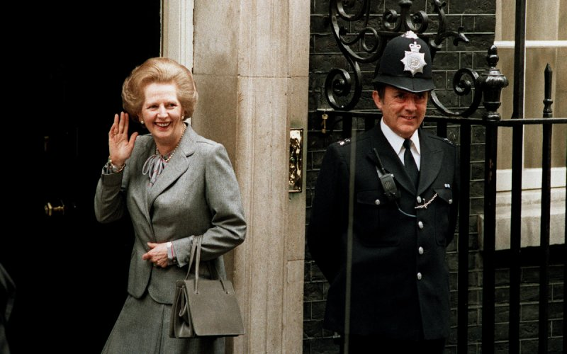 Margaret Thatcher with her handbag