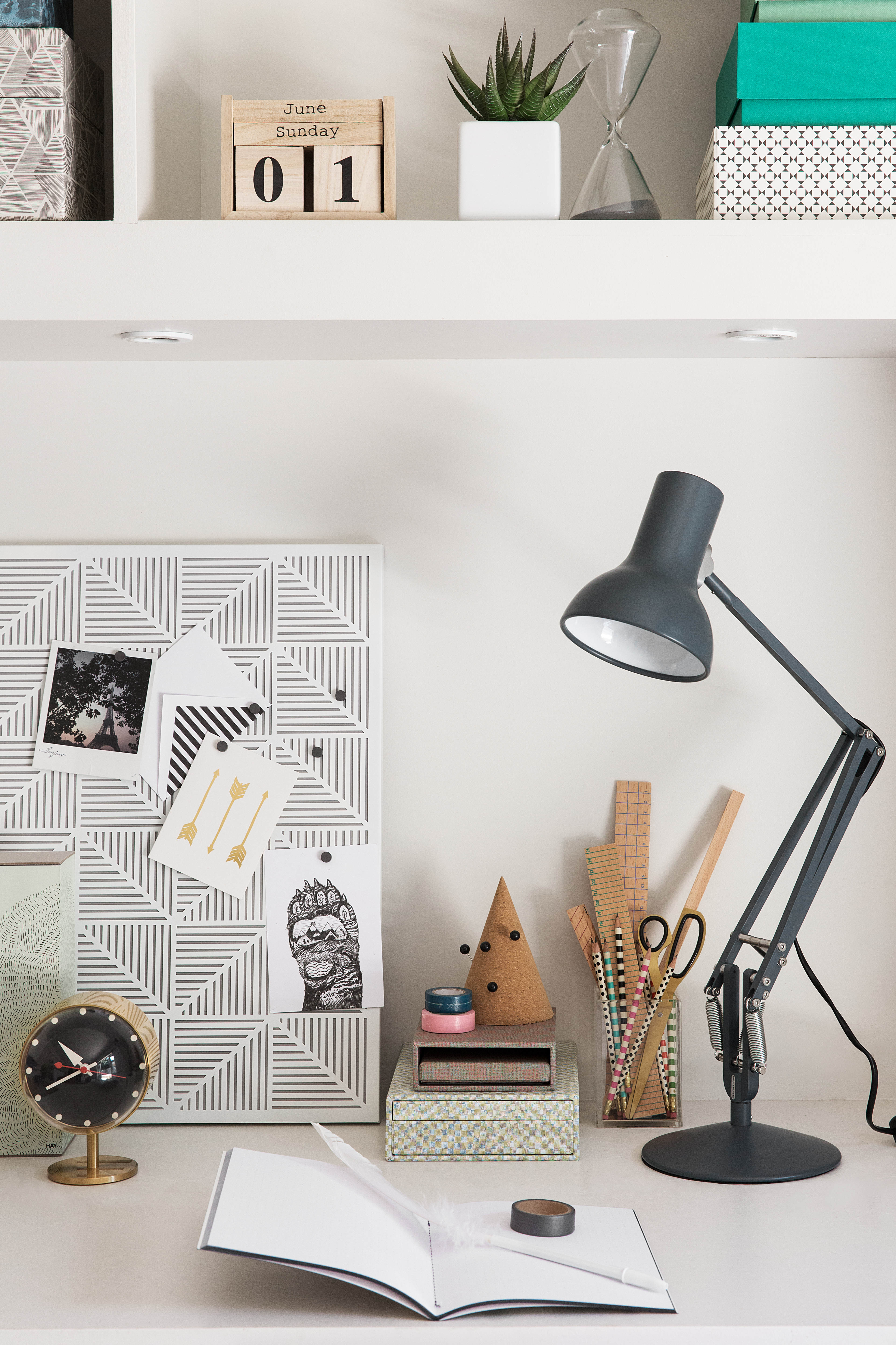 storage solutions for tidy desk