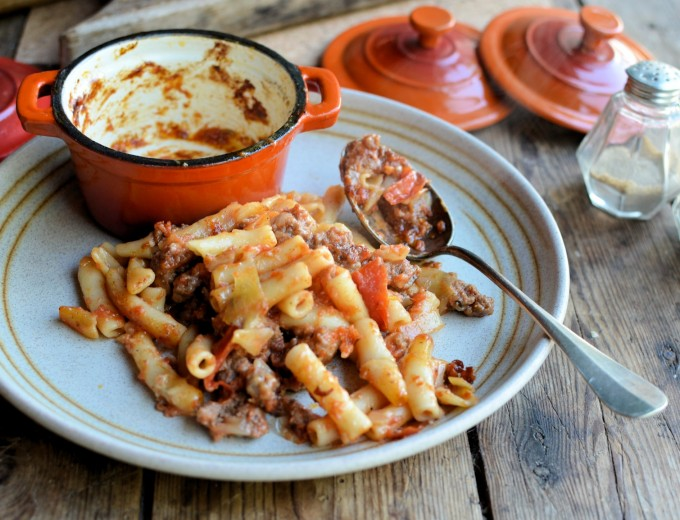 www.lavenderandlovage.com/2014/04/the-big-bang-theory-pantry-staples-and-beefaroni-pasta-bake.html