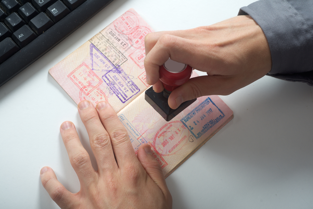 how to avoid visa scams