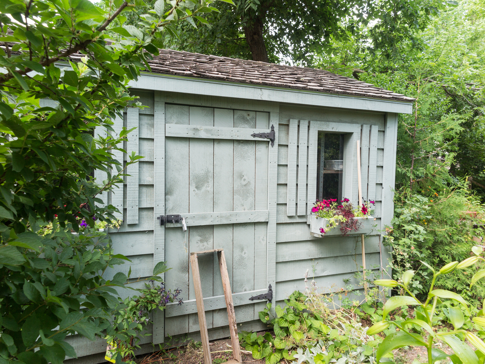 garden shed made of wood how to pick