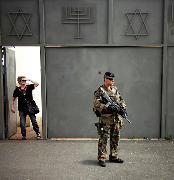 French soldier protecting Jewish community