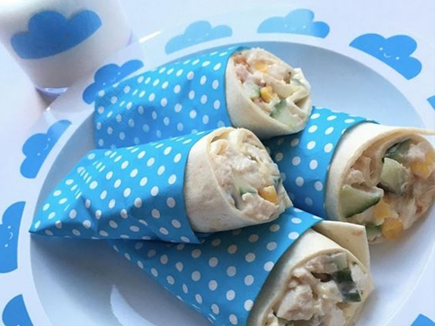 chicken sweetcorn and cucumber wraps