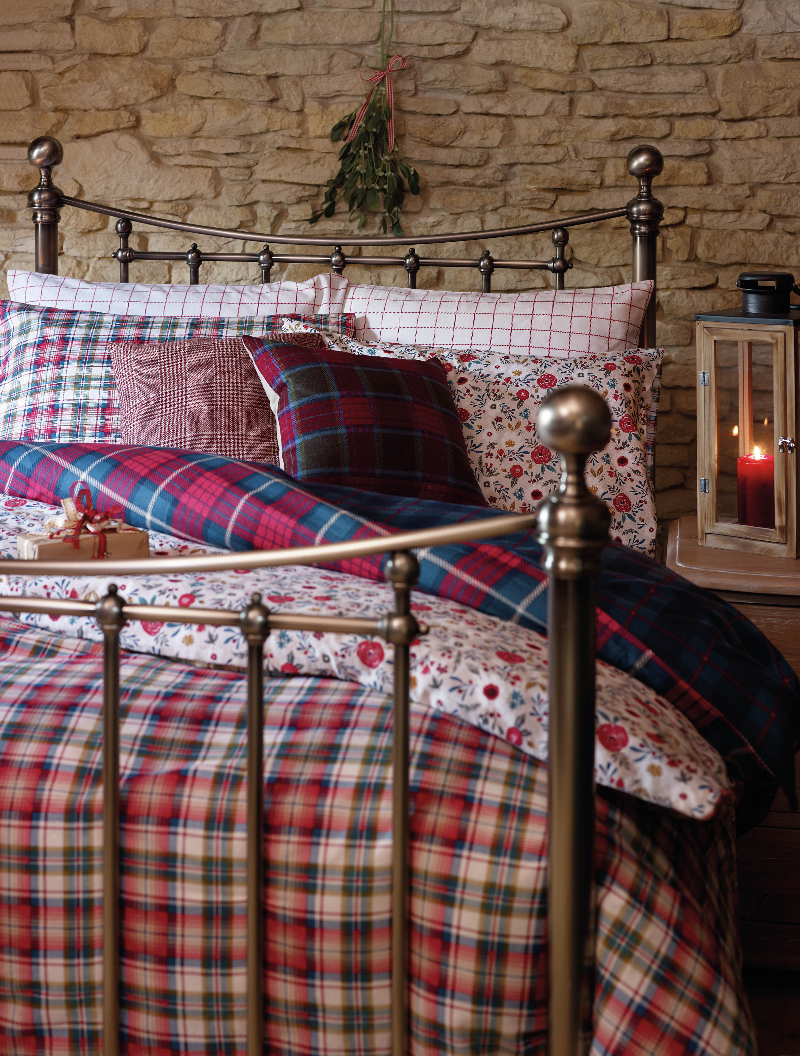 Prepare Your Guest Bedroom For The Festive Season Reader