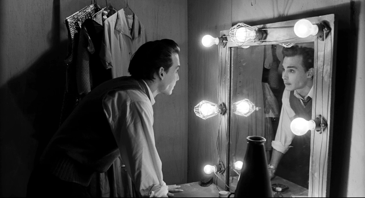 Johnny Depp stars in Ed Wood, directed by Tim Burton