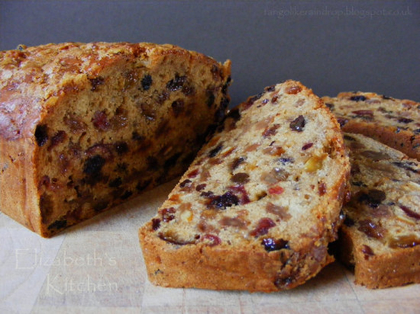 Fruity Chai Loaf Cake