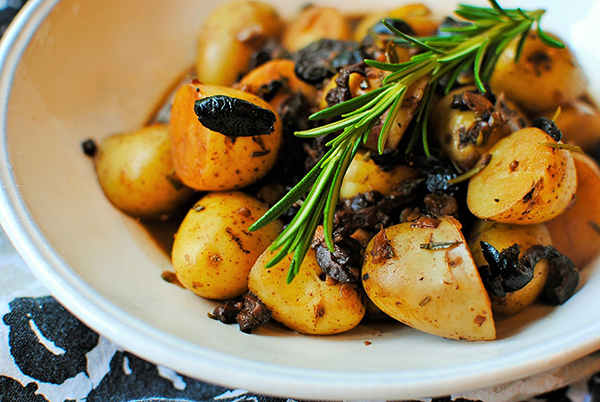 Quick rosemary and olive potatoes