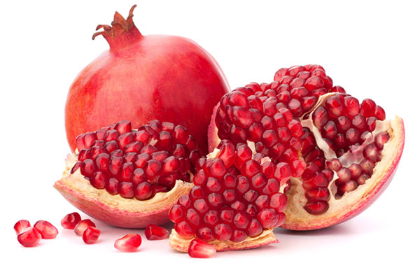 Pomegranates to reduce the ability of UVB radiation
