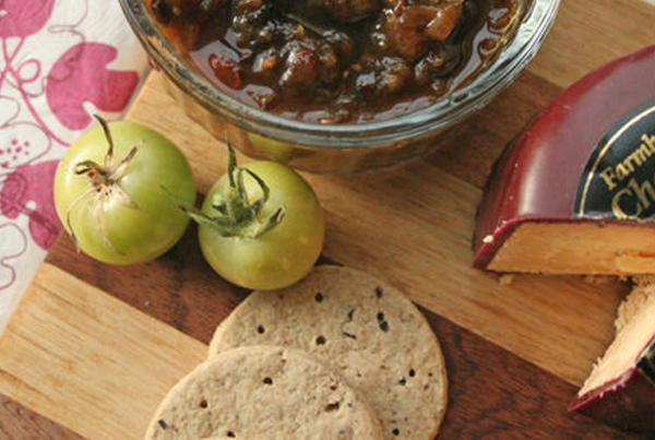 Spicy Green Tomato and Apple Chutney