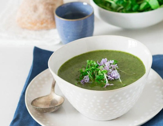 Creamy rocket and watercress soup